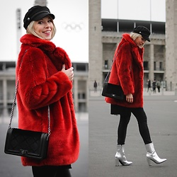 Lavie Deboite - H&M Fake Fur, New Look Skinnyjeans, Sacha Metallic Boots, H&M Baker Boy - Red Fake Fur and Metalic