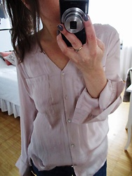 Sari Nilsson - H&M Consious Blouse - PINK WEDNESDAY