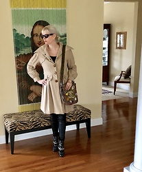 Shannon D - Chloé Coat, Isabel Marant Boots, Chanel Bag, Gucci Sunglasses, Kova & T Leather Leggings - Vintage Chloe Coat
