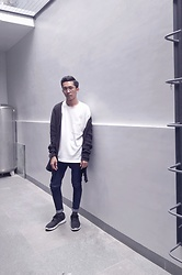 John Castillo - Uniqlo Tshirt, H&M Long Line Cardigan, Petrol Skinny Jeans, Adidas Trainers - From the Alley