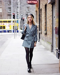 Anna Pogribnyak - Radley London Bag, Leather Beret, Jacket - Pointy shoulders jacket