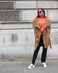 Marlena Laura @marlenalaura - Kappahl Necklace, Kappahl Sweater, Kappahl Pants, Adidas Sneakers, Primark Shades - London Street Style