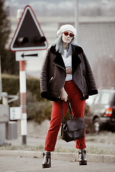 Doina M. - H&M Beret, Urban Outfitters Cat Eye Sunnies, H&M Winter Jacket, H&M Mom Jeans, Bershka Leather Backpack, Bershka Ankle Boots - THAT BERET THING