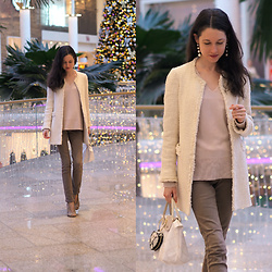 Claire H - Zara Tweed Blazer, H&M Rose Cashmere Knit, Longchamp Le Pliage - Light up and shine