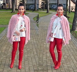 Natalia Uliasz - Rosegal Embroidered Blouse, Gamiss Bag, Dresslily Earrings, Dresslink Pink Fur, Orsay Red Leather Pants, Deezee.Pl Boots - Różowa róża