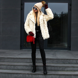 Diane Fashion -  - Fur coat & black, burgundy...