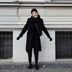 Ebba Zingmark - Ebba Zingmark Blog - Dressed for cold weather in Berlin