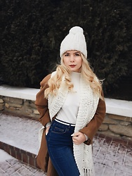 Vlada Bushueva - Bershka Hat, Topshop Sweater, Handmade Scarf, Only Jeans - ❄️stay warm and style
