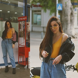 Morgan Jamie - Adika Mustard Bodysuit, Zara Leather Jacket, Flashback Vintage Jeans, Topshop Black Boots, Asos Double Buckle Belt, Private Vintage Collection Yellow Sunglasses - When life gives you lemons