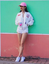 Thuy Bee -  - Sporty Chic