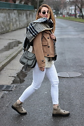 Tímea C - Zara Jacket, Gamiss Bag - Let it snow