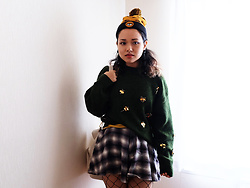 Siree T.H.T - Burton Beanie, H&M Earrings, H&M Sweater, Unif Skorts - If I Could be Like the Fireflies