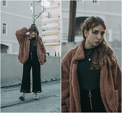 Andriana Argiropoulou - Teddy Bear Jacket, Pull & Bear High Neck Top, Zara Wide Leg Trousers, Adidas White Sneakers - Teddy Jacket & wide leg Pants
