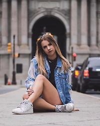 Amelia Burns - Nike Air Jordans, Urban Outfitters Romper, Topshop Denim - Ripper