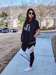 TheVagabondWayfarer - Zaful Tights, Zaful Tee, Keds Sneakers - Winter Athleisure