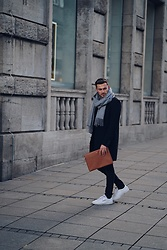 Lucca B. - Reebok Shows, Dbramante1928 Clutch, Minimum Coast, Acne Studios Scarf - Casual Business