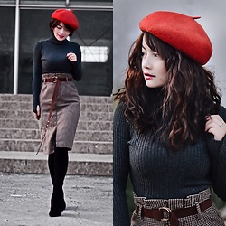 Small Feet Yeti - Beret, Turtleneck, Plaid Skirt, Thigh High Boots - Classic Fall!!