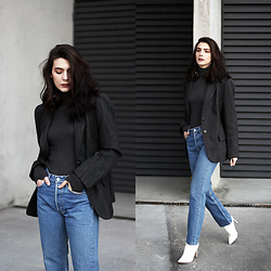 CLAUDIA Holynights - Vintage Blazer, Levi's® 501 Jeans, Shuzee White Boots - Dark grey, denim and white boots
