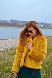 An Koko - Stradivarius Faux Fur Coat Jacket, Burda Style Skirt With Zipper - Stradivarius mustard yellow faux fur coat