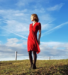 Clarissa H - Marc'o'polo Red Dress With A Twist - It's windy on the top - but the view is amazing!