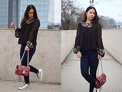 Sandy L. - Zara Blouse, Mango Bag - Flower Garden