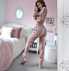 Tia Mcintosh - Missy Empire Dusty Pink Velvet Tracksuit, Ugg Pink Bailey Bow Boots - My favorite lounge wear