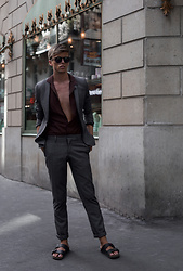 Georg Mallner - Topman Shirt, H&M Blazer, Asos Pants, Birkenstock Shoes, Ray Ban Sunglasses - Janaury 28, 2018