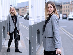 Amy Ramírez - Shein Blazer - Total black with a touch of grey