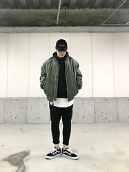 ★masaki★ - Kollaps New Wave ニューウェイブ, Rothco 4xl Bomber, Camber Hoodie, Asos Dropcrotch, Vans Oldskool - 💣💣💣