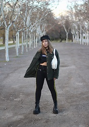 Claudia Villanueva - H&M Cap, Missguided Jacket, Zara T Shirt, Stradivarius Fanny Pack, Missguided Leggings, Un Paso Mas Boots - The Softest Fanny Pack