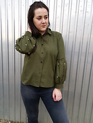 Jana Lukic - Zaful Button Down Faux Pearls Shirt - Army Green & Pearls