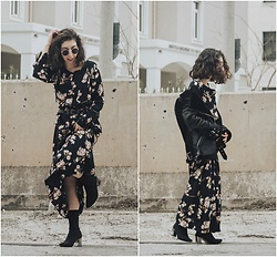 Theoni Argyropoulou - Shein Floral Dress, Missguided Aviator Jacket, Zaful Sock Boots, Stradivarius Buckled Belt - How to wear a Floral Dress in Winter on somethingvogue.com
