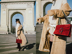 Andreea Birsan - Beige Long Line Teddy Bear Coat, Mohair Bell Sleeves Beige Sweater, White T Shirt, Khaki Linen Shorts, Red Suede Shoulder Bag, Fishnet Tights, Black Suede Heeled Over The Knee Boots, Baker Boy Cap, Micro Cat Eye Sunglasses - How to wear shorts in winter