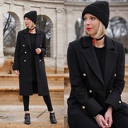 Lavie Deboite - Asos Coat, Pieces Beanie, Mango Sweater, Tukadu Choker, Only Skinnyjeans, Sacha Ankle Boots - Black Allover