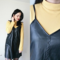 Natalia Pawlik - Second Hand Turtleneck, Zaful Dress - BLACK & YELLOW