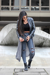 Gilda - Asos Crop Top, H&M Leather Jacket, Asos High Waist Jeans, Asos Leather Boots, Bershka Cardigan - Winter Grunge Outfit