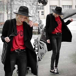 Lavie Deboite - Only Black Cardigan, H&M Skinnyjeans, Asos Belt, H&M Hat, Vans Authentic - AC/DC Bandshirt