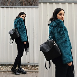 Natalia Pawlik - Shein Fur, Shein Pants, Zara Backpack, Second Hand Scarf, Fashion71 Boots - BLUREEN FUR