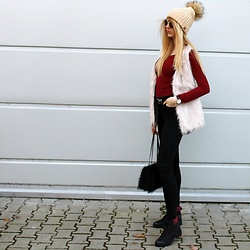 Diane Fashion -  - Fur vest | ecru, burgundy and black