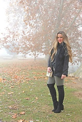 Emma MAS - Emma Loves Fashion Otk Boots - Black vest and boots