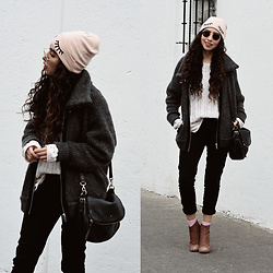 Attalia DASBEL - Zara Bomber, Zara Boots, Kate Spade Bag, H&M Beret - CASUAL ON WINTER