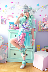 Luly Pastel Cubes - Kawaii Cassette Top, Forever 21 Scrunchies, Follow The White Rabbit Bow Belt - I like big bows