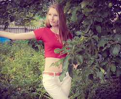Roksa -  - Red top and white jeans