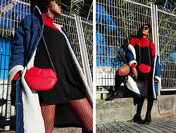 Yara Snow'z - New Yorker Lip Bag, Primark Red Fishnet, Bershka Denim Oversized Jacket - Red Fishnet