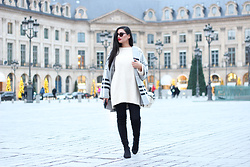 Gilda - Bershka Oversized Jumper, Bershka Long Cardigan, Asos Over The Knee Boots, Rayban Glasses - Overknees in Paris