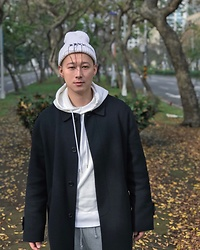 No Rehearsal - Kkxx Beanie, Opening Ceremony Hoodie, Vintage Coat, Champion Joggers - 16. WHITE