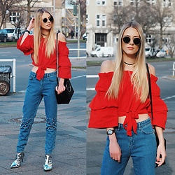 Laura Simon - Na Kd Jeans With Pearls, Topshop Silver Metallic, Zara Black Bag, Na Kd Red Off Shoulder Blouse, Ray Ban Green Gold Round - Spring Outfit 🌷