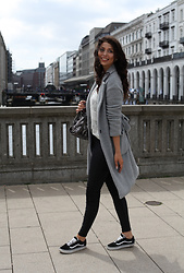 Sarah Lyx - Vans Old Skool, Stella Mccartney, Zara Trenchcoat, New Look High Waist Skinny - Sarahlyx @ insta