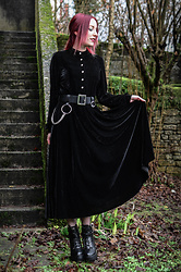 Saskia B. - Gearbest Velvet Dress, Asos Belt, Alien Mood High Heels - Witch dress