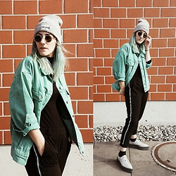 Doina M. - Bershka Collection Green Denim Jacket, Fentyxpuma Creepers, Tally Weijl Stay Weird Beanie - Dotdotdot